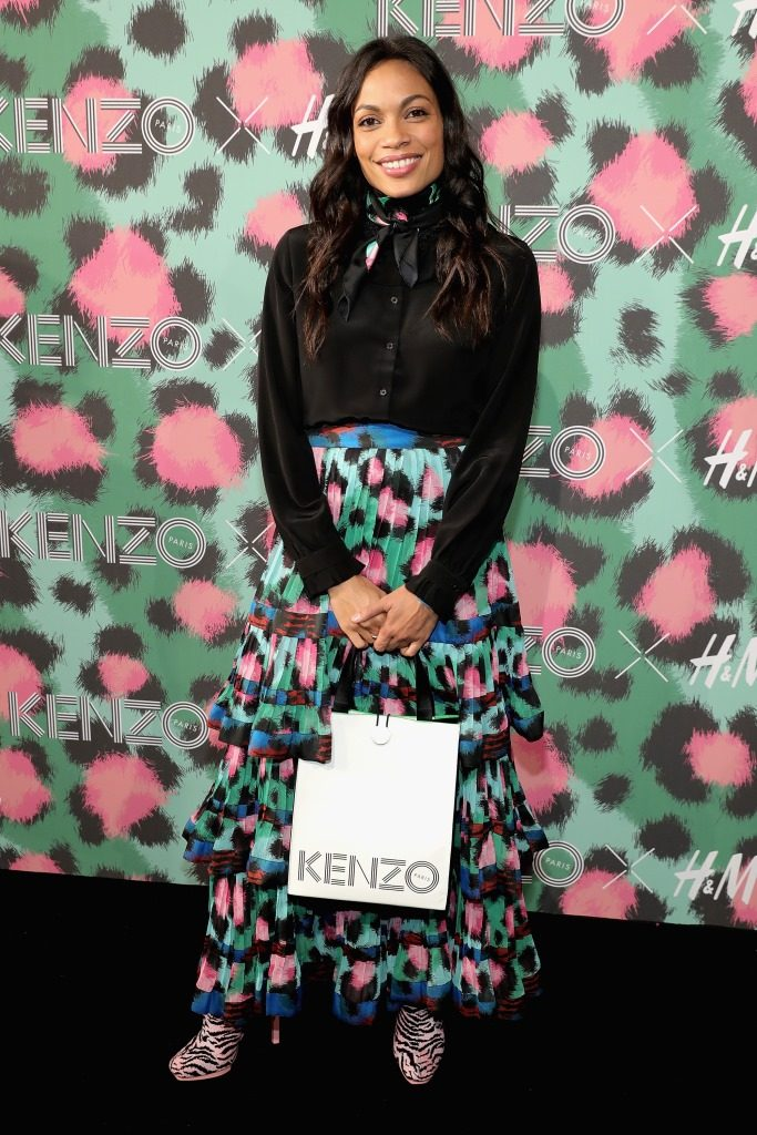 NEW YORK, NY - OCTOBER 19: Rosario Dawson attends KENZO x H&M Launch Event Directed By Jean-Paul Goude' at Pier 36 on October 19, 2016 in New York City. (Photo by Neilson Barnard/Getty Images for H&M)